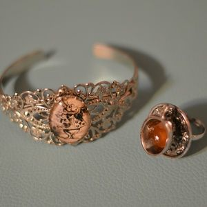 Jewelry - Alice in Wonderland